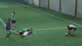 VIRAL. Partidă de fotbal cu toți jucătorii beți
