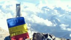 tricolor pe munte