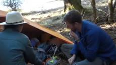 oameni cu cortul