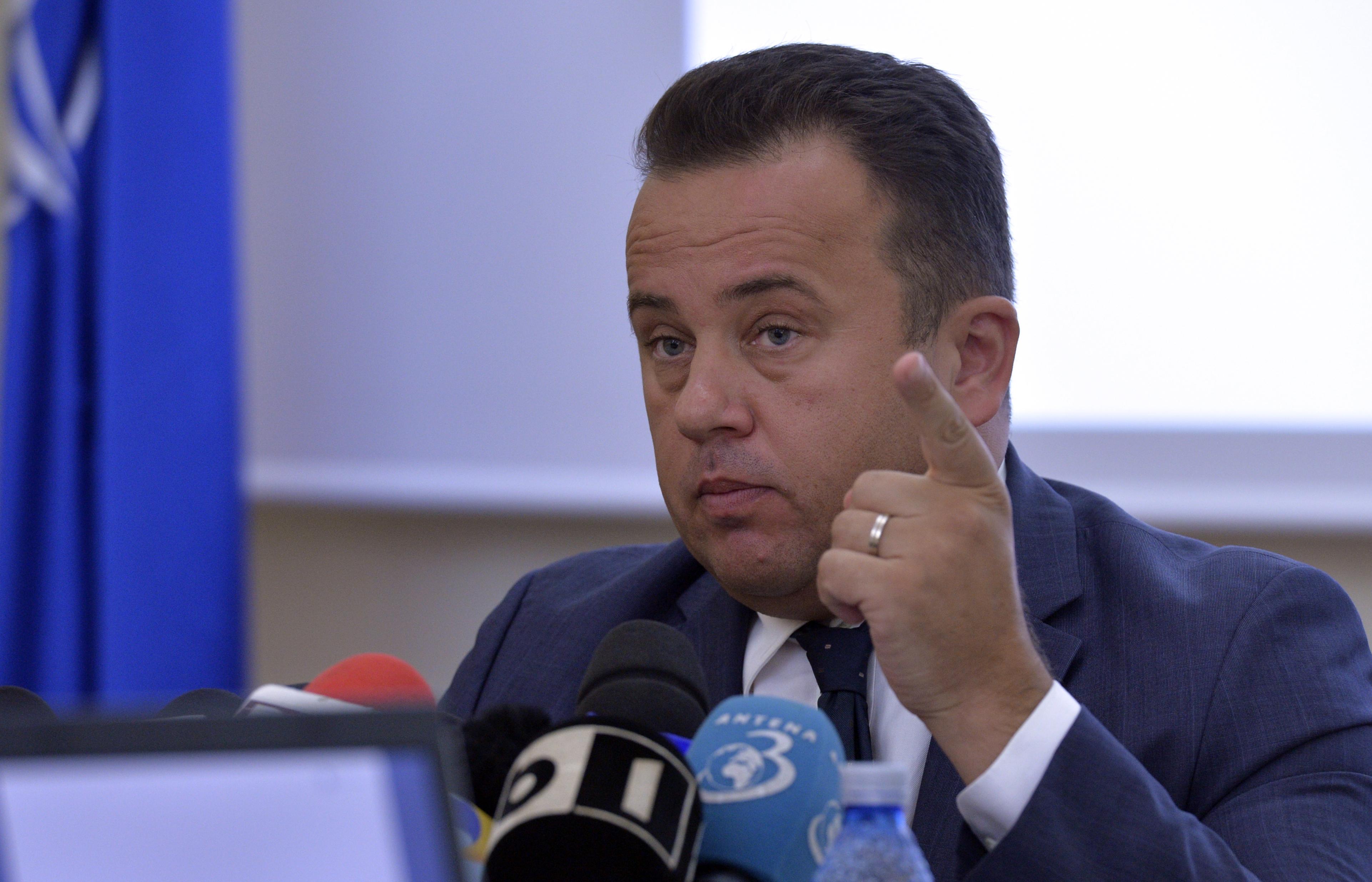Inspectorii generali şcolari demişi din funcţii vor da in judecata Ministerul Educaţiei