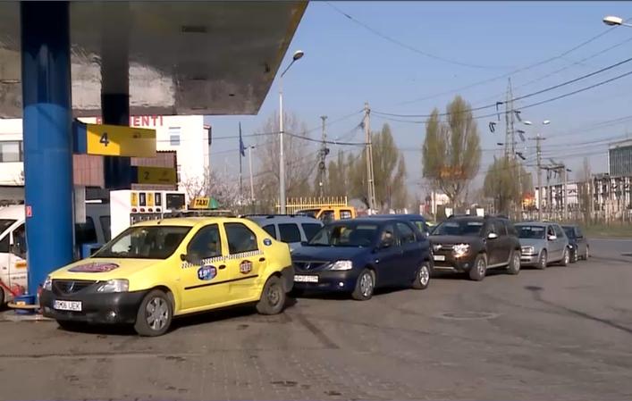 Romanii sunt prea saraci şi pentru benzina ieftina