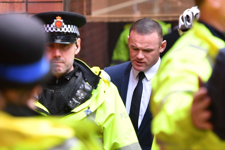 Rooney, condamnat la munca in folosul comunitatii si nu va avea voie sa conduca 2 ani