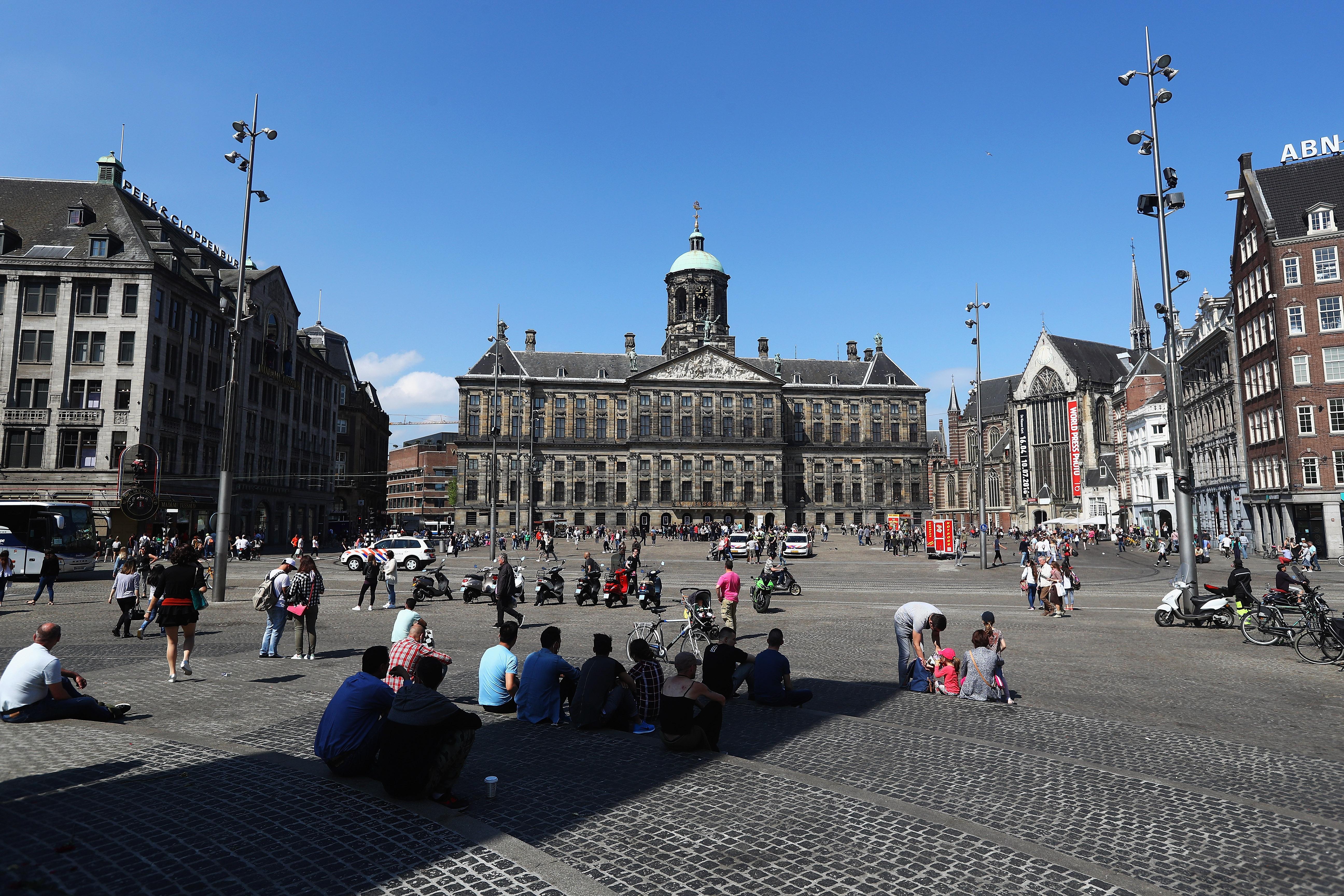 Vacanţele in Amsterdam se scumpesc
