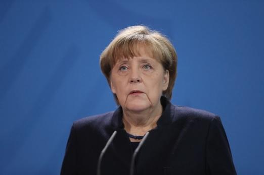 Angela Merkel si mai multi politicieni germani au primit scrisori de amenintare