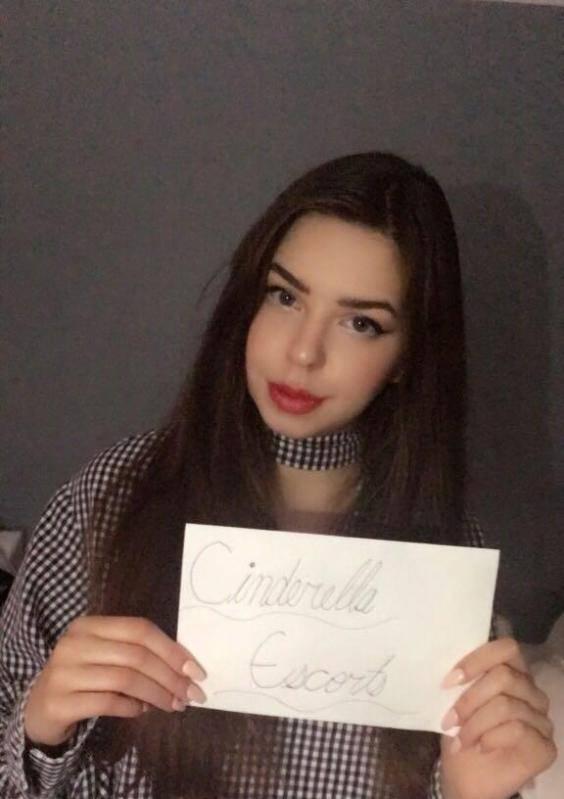 O adolescenta si-a vandut virginitatea pentru 3 milioane de dolari