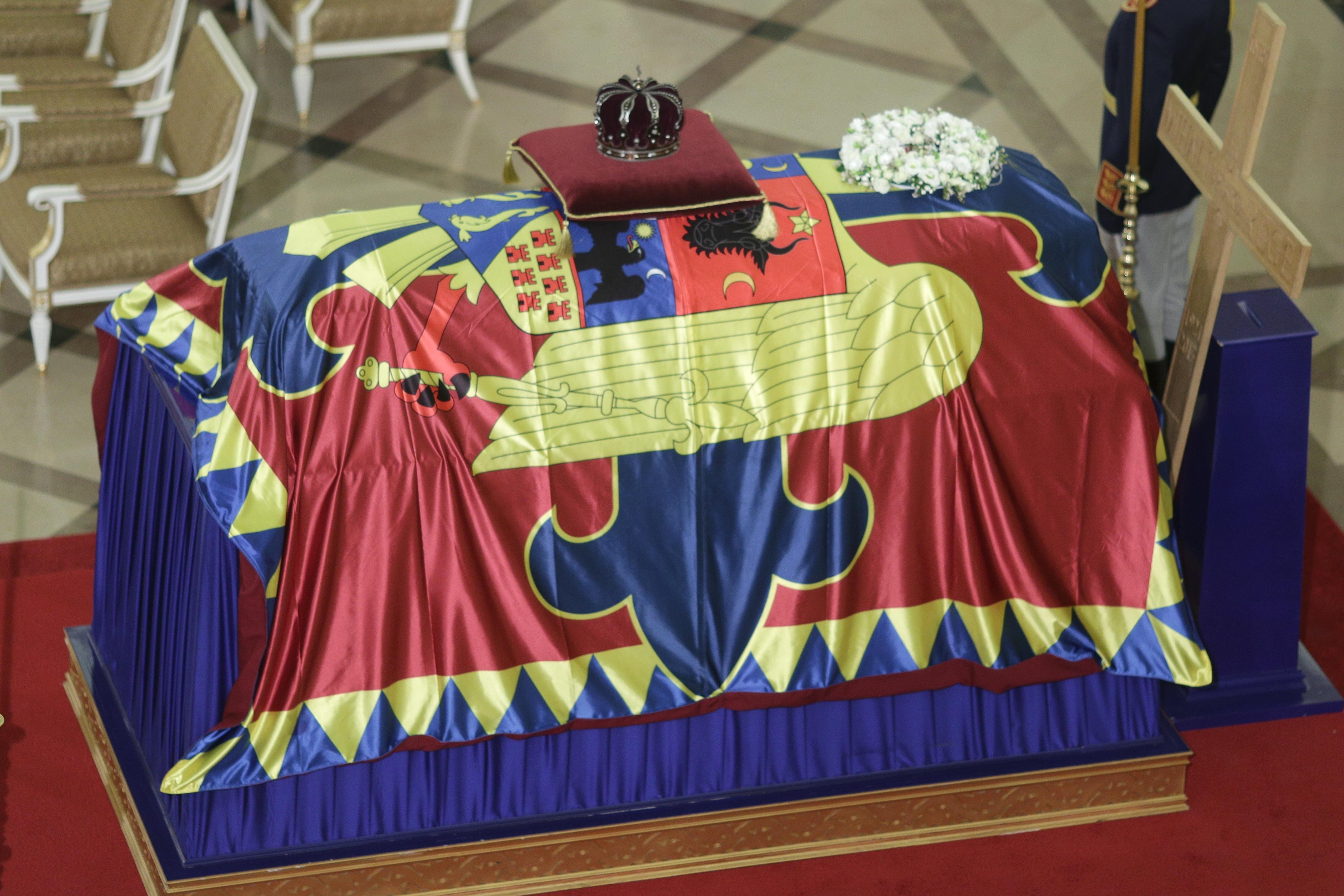 FOTO VIDEO Regele Mihai, pentru ultima oara la Palatul Regal. Programul funeraliilor