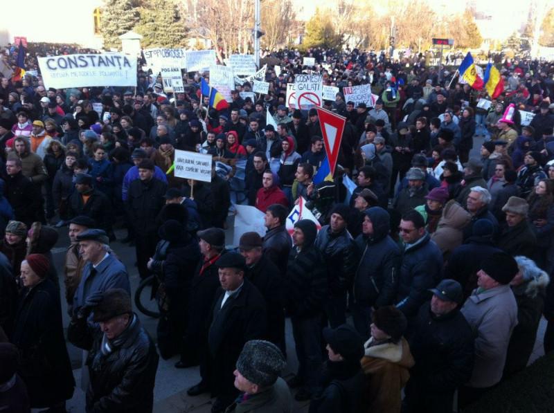 Amplă manifestație la Bârlad împotriva exploatării gazelor de șist |Asociația Vira