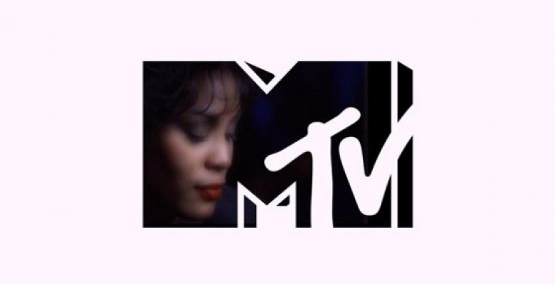 tribut-whitney-houston-la-mtv-in-acest-week-end-vezi-cele-mai-bune-piese-ale-cantaretei-in-official-top
