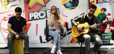 colinde-live-si-piese-tari-in-studioul-profm-adriana-rusu-ne-a-cantat-dimineata-video 8