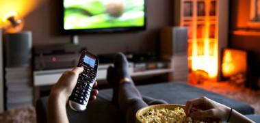 Serialele preferate de români în era binging-ului. Pentru ele au...