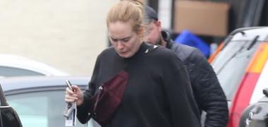 Adele a slăbit foarte mult! Aşa arată acum