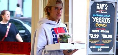 După despărţirea de Selena Gomez, Justin Bieber s-a întors la fosta...