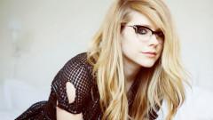 Diagnostic crunt pentru Avril Lavigne! Cântăreața suferă de o boală extrem de gravă