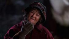 """""""Doamna cu porumbei"""" din Singur Acasă e actriță de Oscar. Cum arată și ce face la 72 de ani"""