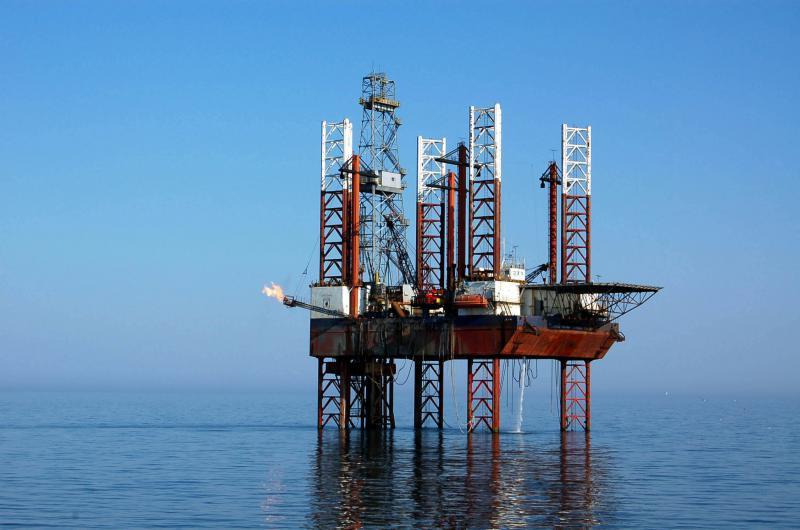 Platforma petroliera 2036818-Mediafax Foto-Cristi Cimpoes-3