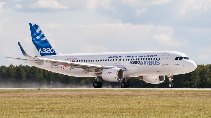 F-WWIQ Airbus A320 sharklet ILA 2012 07
