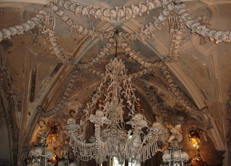 capela toti sfintii - lyn gatelay flickr