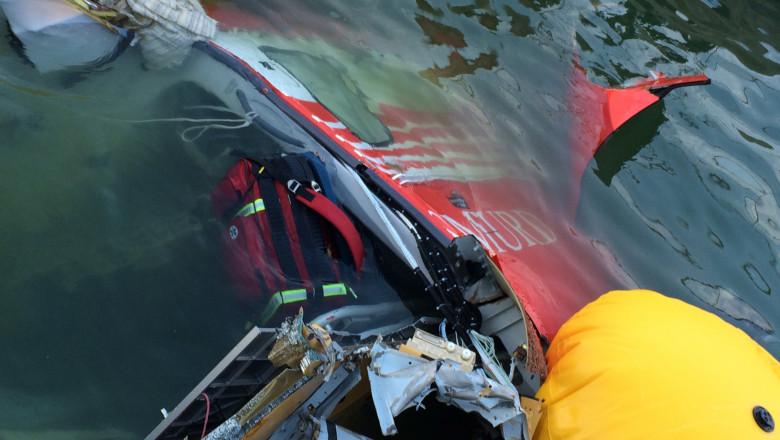 Epava in apa elicopter SMURD Lacul Siutghiol -Mediafax Foto-Adrian Boioglu
