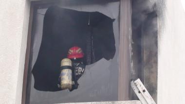 incendiu cladire Oradea 131213 c
