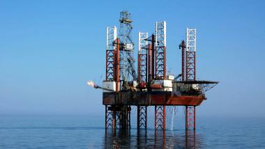 Platforma petroliera 2036818-Mediafax Foto-Cristi Cimpoes