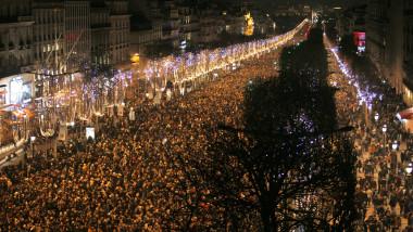 lume pe champs elysee 2015 - 7206109-AFP Mediafax Foto-MATTHIEU ALEXANDRE-1