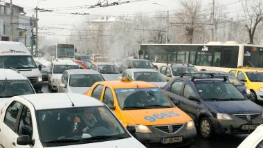 masini aglomeratie iarna-Mediafax Foto-Alexandru Solomon