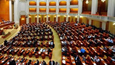 parlament crop-1