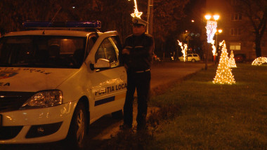 masina Politia Locala in parc