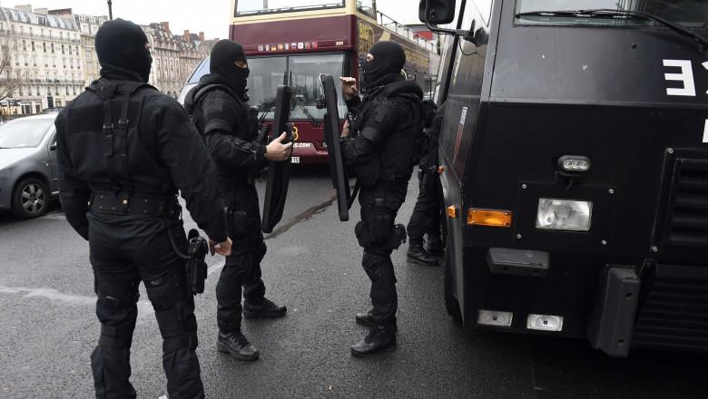 politie politisti franta terorism mediafax