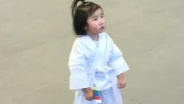 fetita taekwondo