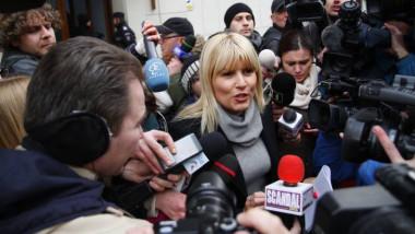 elena udrea cu ziaristi facebook
