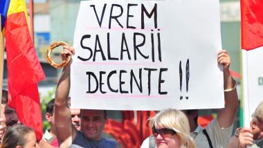 salarii-protest-angajati-bani-mediafax