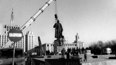 demolare statuie lenin casa presei-Mediafax Foto-Emanuel Parvu