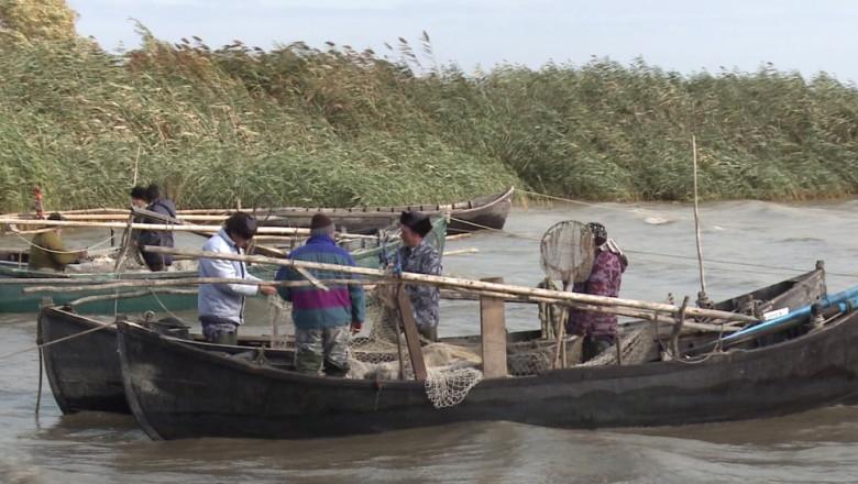 pescari in delta-1