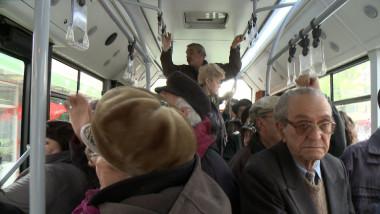 oameni autobuzz
