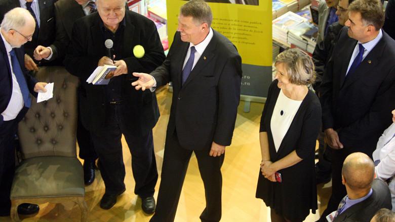 Iohannis lansare carte cu topescu inquamphotos
