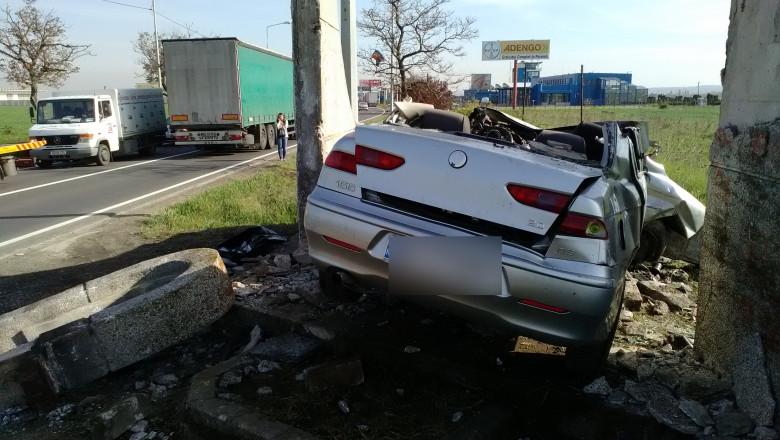 accident obelisc Oradea aeroport 30042015 1