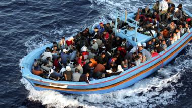 Imigranti in barca arhiva Italia - Guliver GettyImages