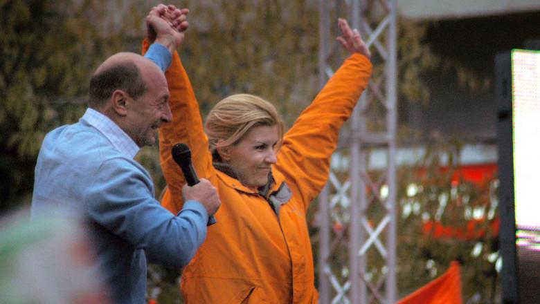 Traian Basescu si Elena Udrea miting electoral 2009-Mediafax Foto-Liviu Maftei