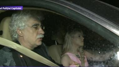 sarbu in masina cu iubita