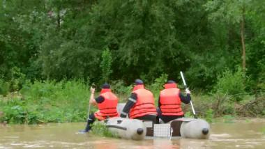 salvare cu barca Maramures 270515