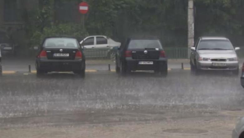 masini parcare ploaie ploi - captura