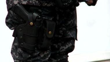 politist special pistol - captura digi24