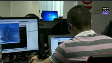 România, ţara cu cel mai mare număr de angajaţi nevoiţi să fie prezenţi la birou