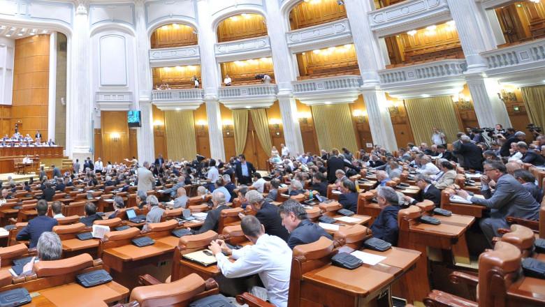 parlament cupola crop2-1