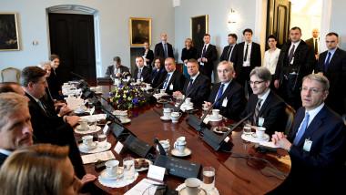 klaus iohannis dejun de lucru polonia cu consilierii - presidency
