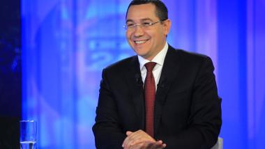 Victor Ponta rade la Digi24 30 septembrie 2014 3