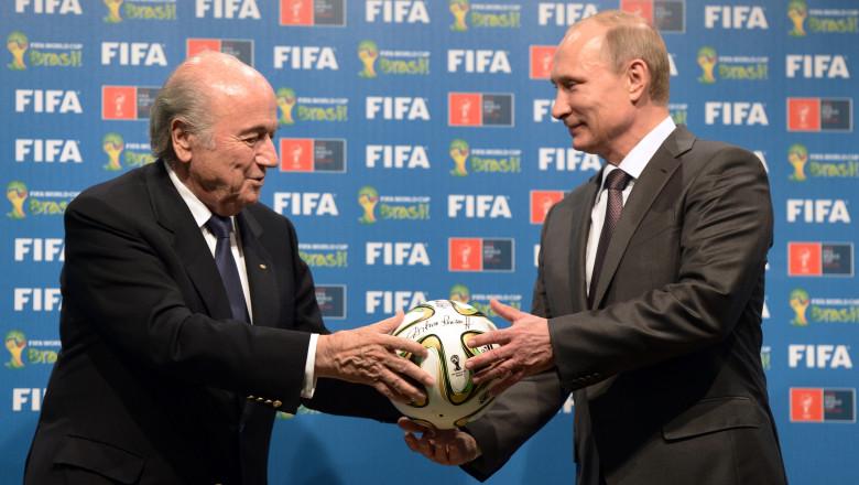 Putin blatter 6891837-AFP Mediafax Foto-ALEKSEY NIKOLSKYI