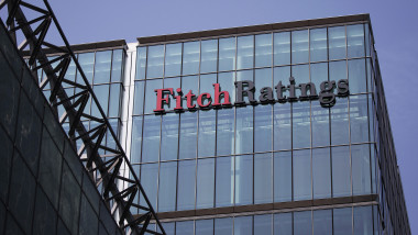 FITCH-RATINGS-facebook