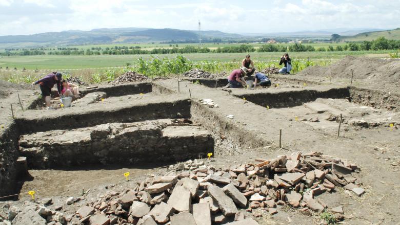 sapaturi arheologice rapoltu mare hunedoara glasul hd 04.07